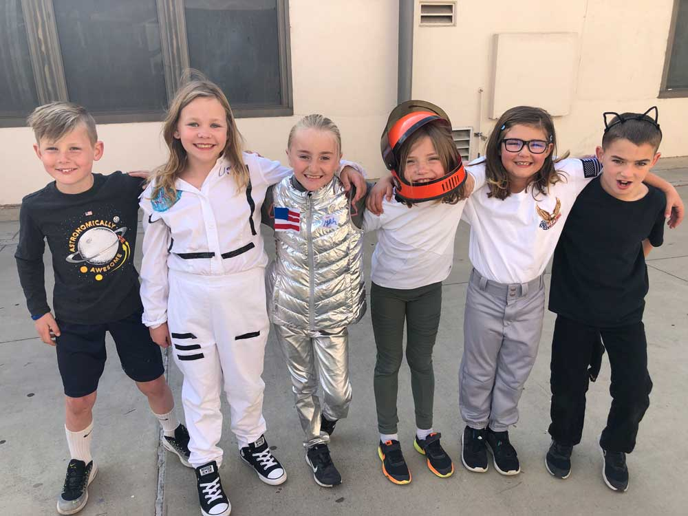 kids in space costumes